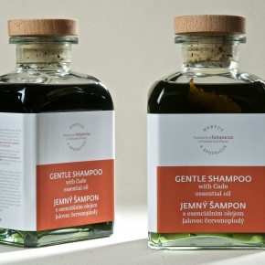 Gentle shampoo with Cade essential oil