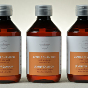 Gentle shampoo with Marigold essential oil